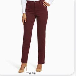 New Gloria Vanderbilt  Amanda Slimming Jeans
